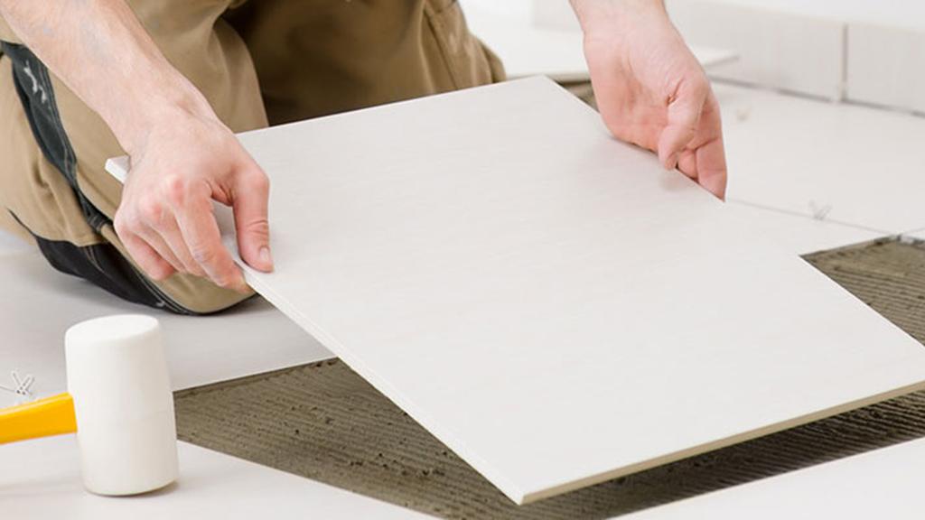 como calcular pegamento para piso