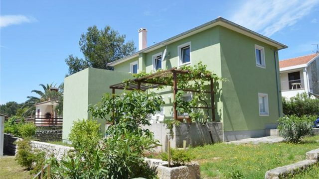 fachada-verde-pistache