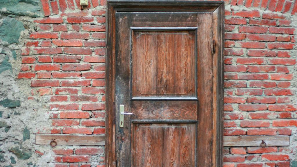 reparar puertas de madera