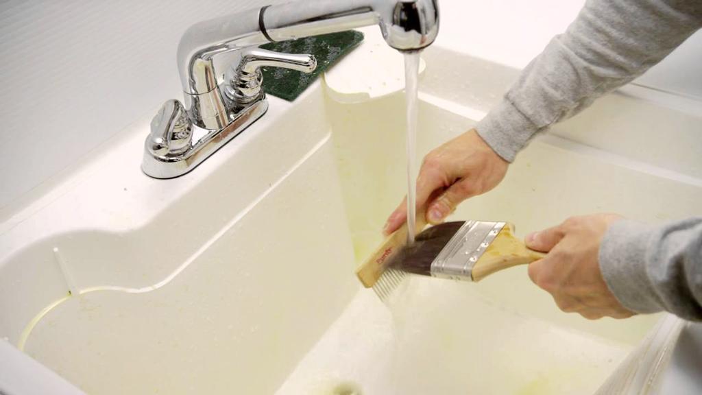 lavar mantenimiento brochas y rodillos