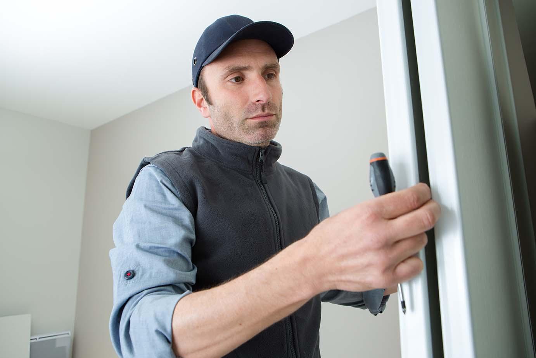 Pasos para instalar una puerta de seguridad