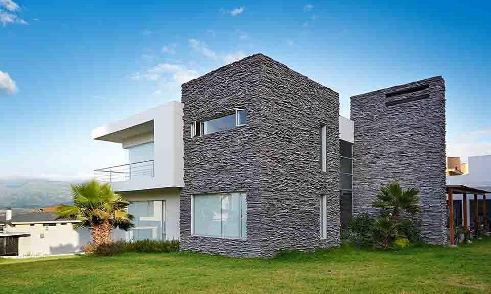 Cómo dar personalidad a tus paredes con revestimiento de piedra
