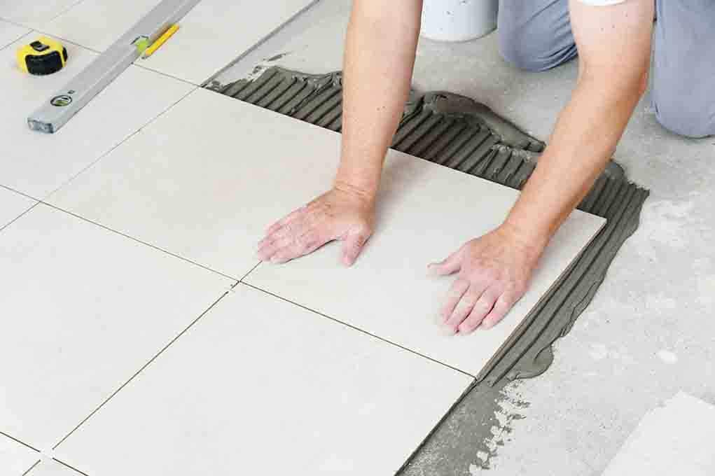 Tipos de adhesivos para instalar pisos