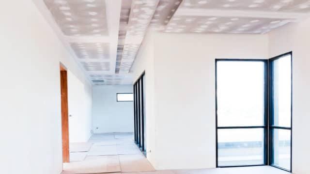 Beneficios de usar el yeso en las paredes de tu construcción