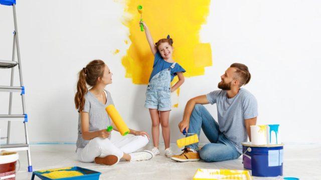 Cómo pintar las paredes de tu hogar con pintura satinada