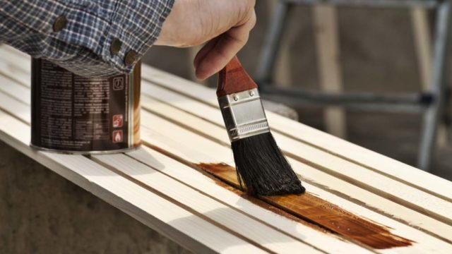 El arte de barnizar la madera
