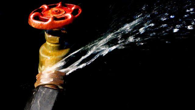 Qué hacer en caso de presentar una fuga de agua en casa