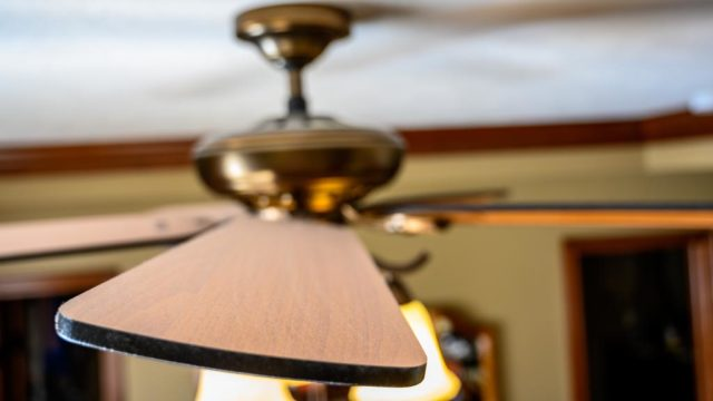 Como instalar un ventilador de techo en exteriores e interiores 2