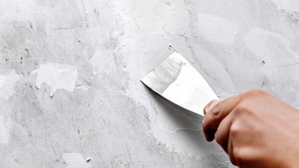 Sabes como reparar las fisuras y grietas de las paredes de tu hogar con yeso
